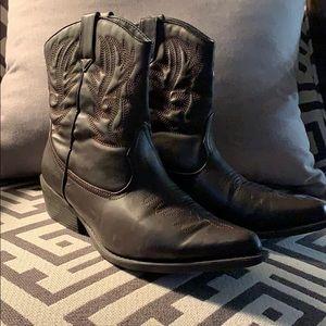 Cowboy boot, short